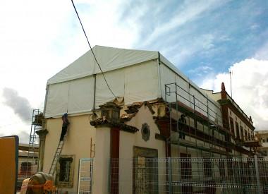 1.Carpa-sobre-edificio-para-realización-de-obras-EN-cÁDIZ-20.01.2011